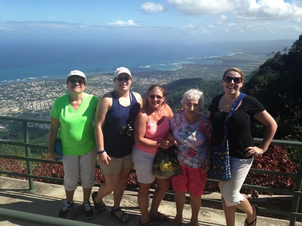 The 5 Gringas: Mumsy, Jules, Kathie, Nona y yo.